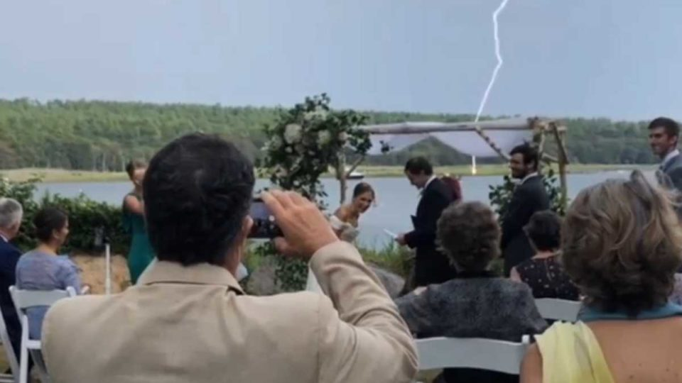 Camping How can 2020 suck extra? Lightning strike at some level of your wedding vows [Obvious]